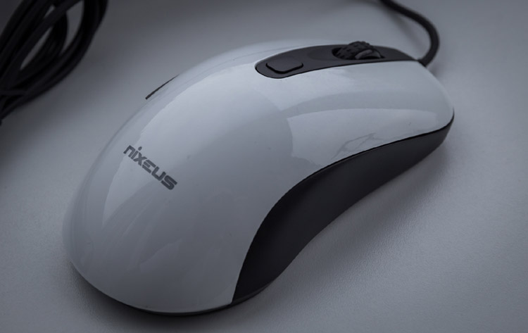 nixeus revel mouse